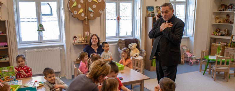 Felföldi László püspök úr Paksra látogatott